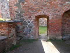 korsholma rauniokirkko sakaristosta ovi