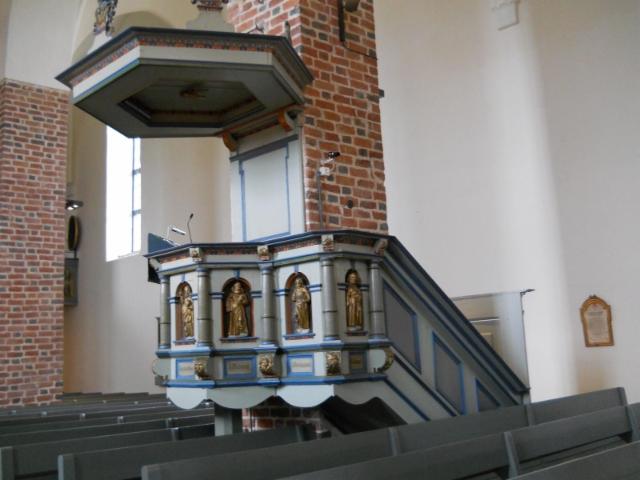 mynamaki saarnatuoli