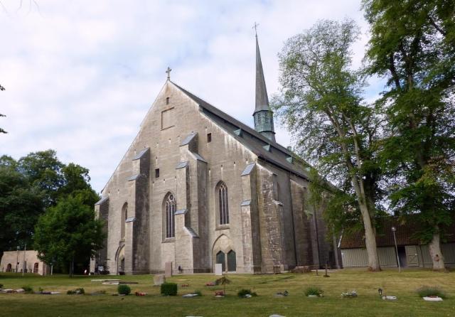 01 vadstena kirkko koillisesta