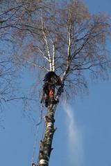 20 metrin korkeudella työskentely vaatii tarkkuutta ja huolellisuutta