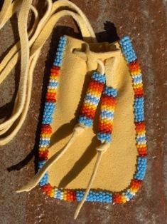 amulettikukkaro medicine bag 2