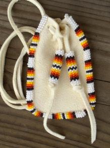 amulettikukkaro medicine bag 3