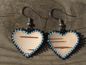tuohikorvakorut sinimusta, birch bark earrings blue-black