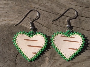 tuohikorvakorut vihrea, birch bark earrings green