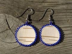 tuohikorvikset sin. pyorea, birch bark earrings blue round
