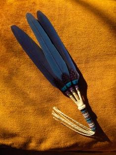 viuhka 3 sulkaa sinilila - macaw fan 3 feathers blueandpurple