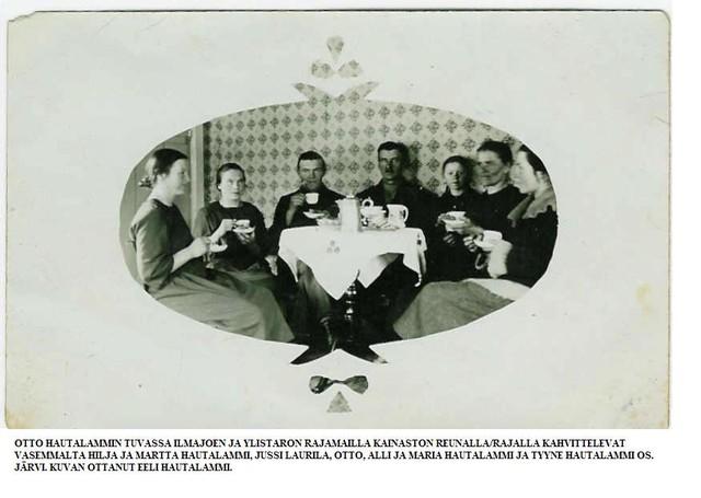 Kahvittelua Otto Hautalammin tuvassa
