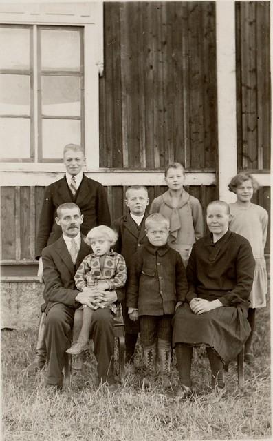 Tuntematon perhe