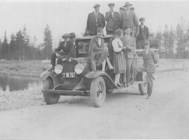 Tilausajon tunnelmaa 1930-luvulla.