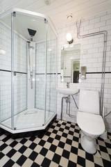 Kylpyhuone remontoidussa Puuvillatalossa