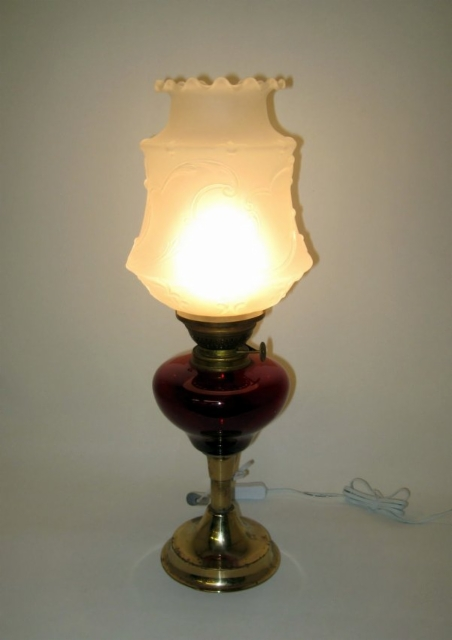 Asiakkaalle öljylampun uusi henki, led -valot