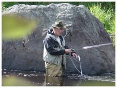 Kalastusta joella