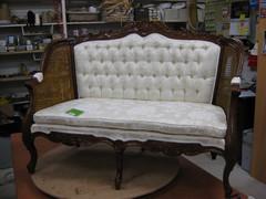 nukke-sohva
