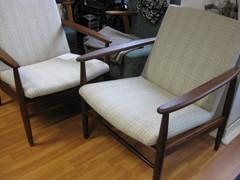 tiikki tuolit