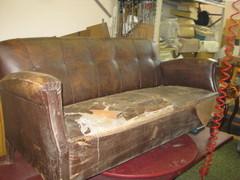 Askon vanha sohva ennen remppaa