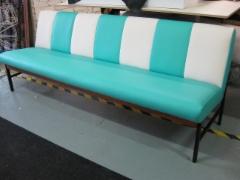 Pepsodent sohva 490€