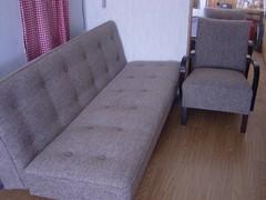 connors_kankaalla_sohva_ja_k-tuolit