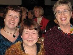 2009 tallinnan akateeminen naiskuoron 50,  vnl-edustajat Marja, Irma, RiittaV