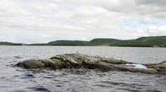 Käymäkivenä tunnettu luoto Inarijärvessä Veskoniemen edustalla, VVV.