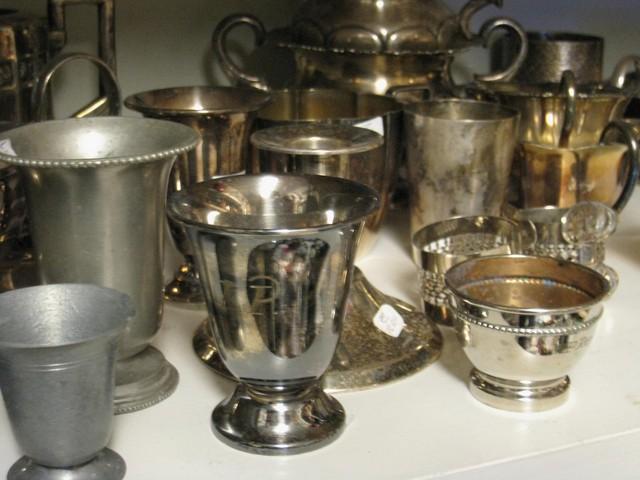 tina- ja hopeoituja esineita runsaasti