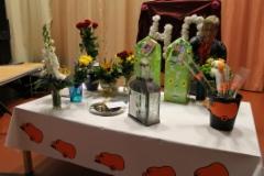 Onnittelujen seurauksena pöytä täyttyi