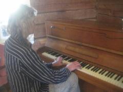 Riston upeata musiikkia avajaisissa.