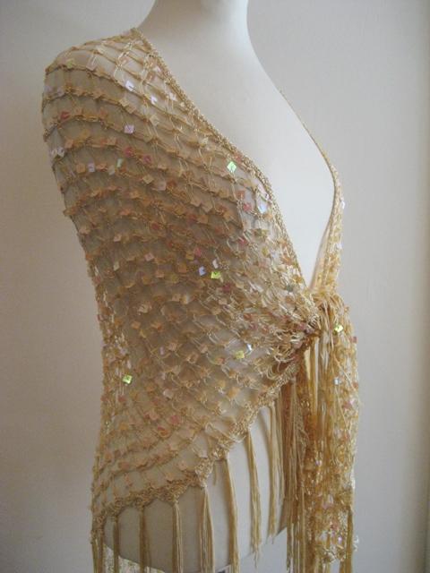 Crochet paljettihuivi hapsuilla  786a7cb65e